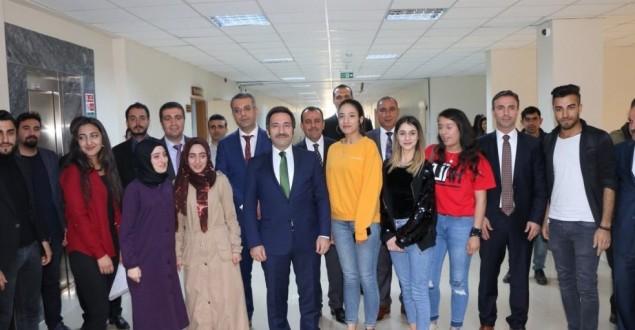 GENÇ'TE ÖĞRENCİLER, VALİ MANTI'YA TALEPLERİNİ ANLATTI