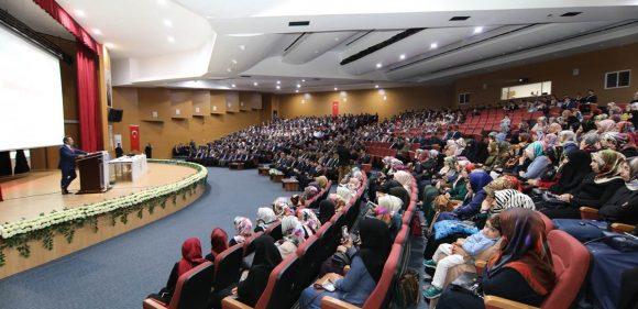 BİNGÖL'DE 'DİN İSTİSMARI İLE MÜCADELE' PANELİ